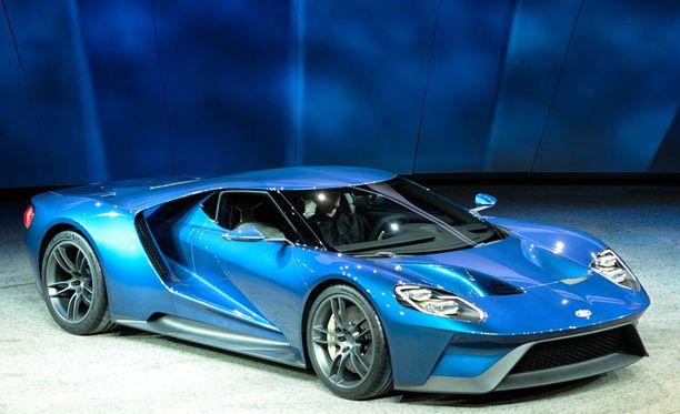 Matala keula ja matala sivuprofiili on tuttua Ford GT:tä.