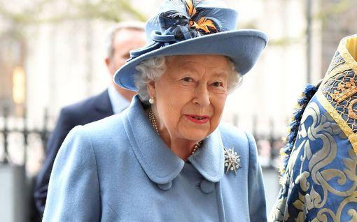 Kuningatar Elisabet pitää tänään historiallisen puheen Britanniassa – vetoaa itsekuriin, myötätuntoon ja hiljaiseen hyväntuulisuuteen