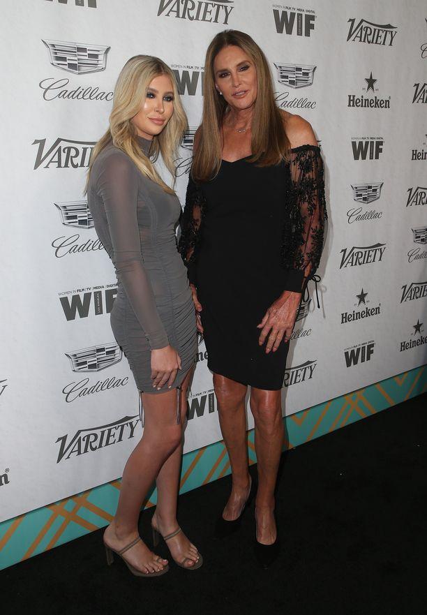 Sophia Hutchins ja Caitlyn Jenner evakuoituivat paloalueelta.