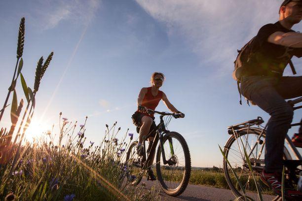 Pyöräily on yksi mielenterveyttä hoitavista lajeista, mutta mikä tahansa liikunta on tutkimuksen mukaan hyväksi.