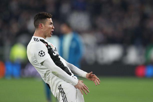 Cristiano Ronaldo  paukutti Juven jatkoon Mestarien liigassa.
