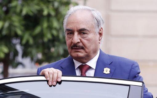 Libyan kenraali Haftarin joukot ilmoittivat tulitauosta – Merkel: rauhanneuvottelut Berliinissä