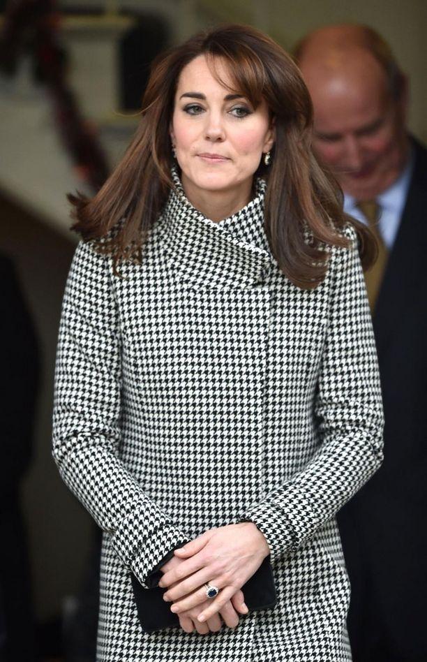 Herttuatar Catherine vaihtoi hiustyyliä syyskuussa, mutta Daily Mailin mukaan hän on tyytymätön kampaukseensa.