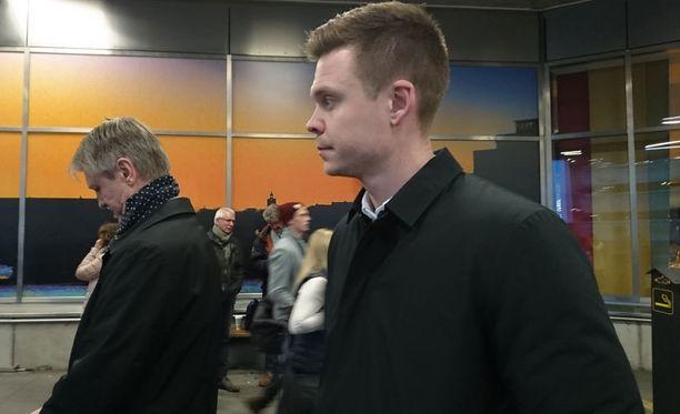 Patrik Gustavsson odotti taksia pitkään iskun tapahduttua.