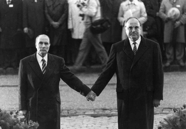 Liittokansleri Kohl ja Ranskan presidentti Mitterrand edistivät yhtenäistä Eurooppaa.