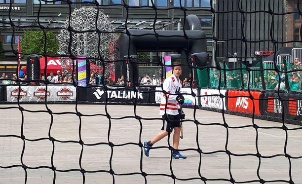 NHL:n suurlupaus viiletti lauantaina Helsingin Narinkkatorilla tossulätkän parissa.