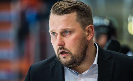 HPK-käskijä Antti Pennanen hämmästeli joukkueensa kolmannen maalin hylkäämistä.