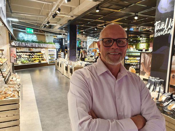 Kauppias Markku Hautala on tuomittu silloisen puolisonsa pahoinpitelystä vuonna 2008.