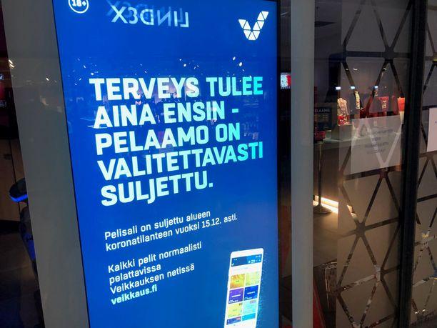 Korona sulki Veikkauksen pelisaleja viime vuonna.