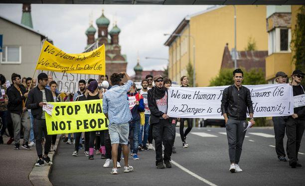 Pakkopalautusta vastustava mielenosoitus järjestettiin Tampereella viime vuonna.