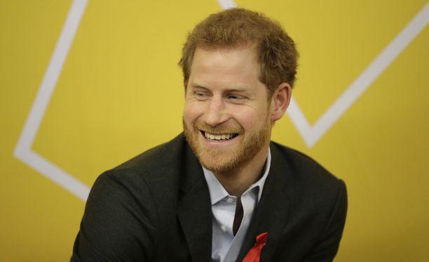 Prinssi Harry on rakastunut mies.