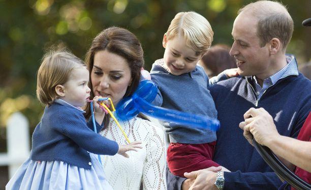 George ja Charlotte ovat Britannian nuoret hurmurit.