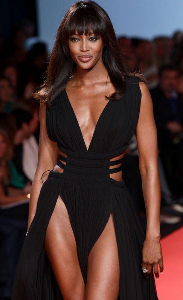 ...Naomi Campbell vilauttivat reittä.