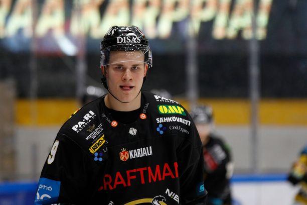 Jesse Puljujärvi edusti viime kaudella Kärppiä.