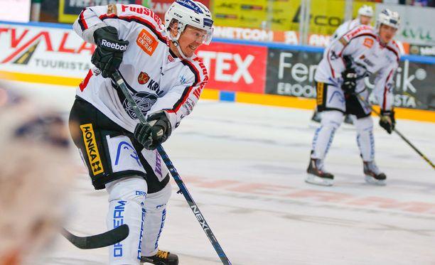 Petteri Nummelin oli pitelemätön ensimmäisessä ottelussa Storhamaria vastaan.