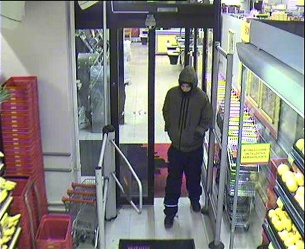 Poliisi kaipaa tietoja tästä miehestä, joka ryösti tiistaiaamuna Alepan Töölössä.