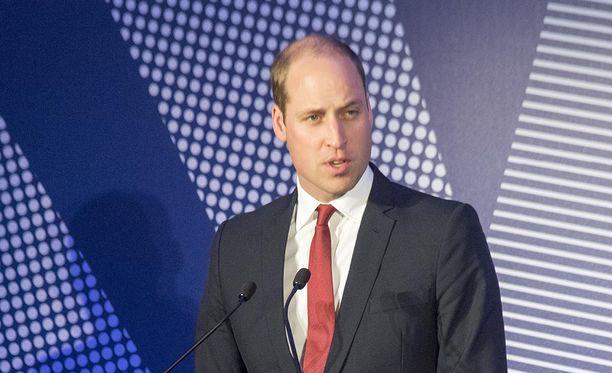 Prinssi William lausui äidistään kauniita sanoja.