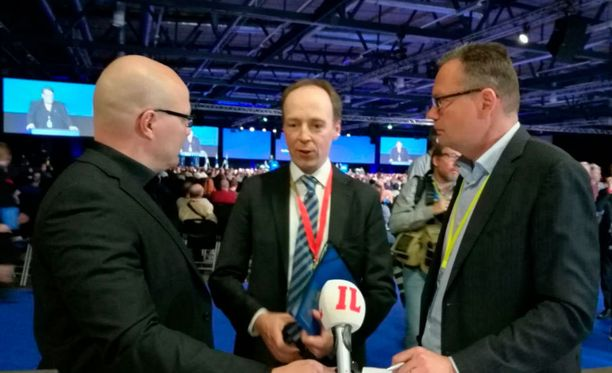 Jussi Halla-aho kommentoi valintaansa puheenjohtajaksi tuoreeltaan IL-TV:n lähetyksessä.