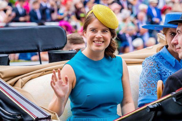 Prinsessa Eugenien rohkea veto saa kiitosta faneilta.