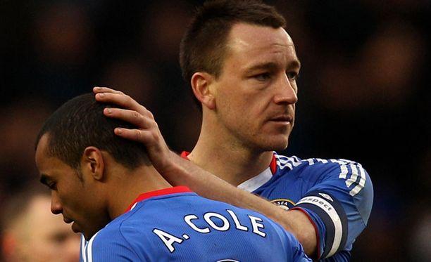 Chelsean John Terry lohduttaa Ashley Colea.