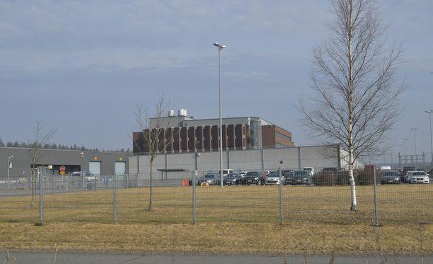 Turvallisuussyistä Turun joukkopuukotuksen pääkäsittely toimitetaan kokonaisuudessaan Saramäen vankilassa.