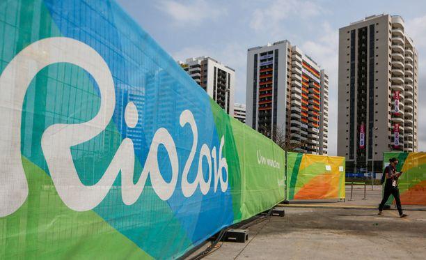 Rion kisakylässä riittää kokoa.