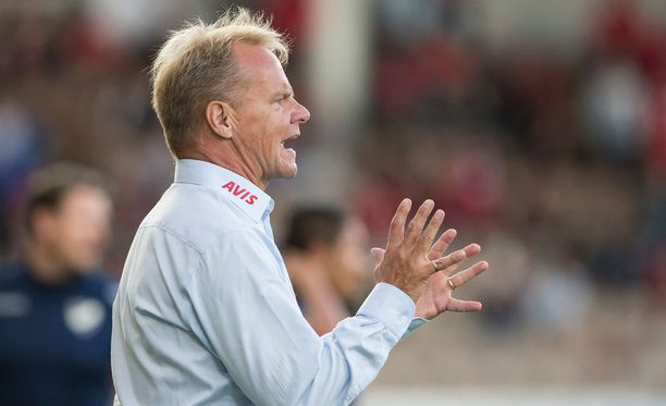 Juha Malisen RoPS johtaa Veikkausliigaa.