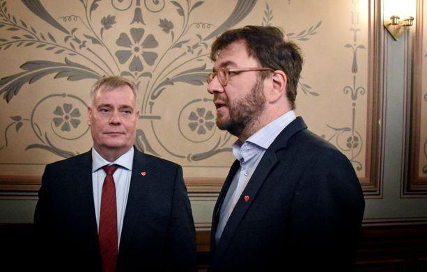 Pääministeri Antti Rinne ja työministeri Timo Harakka ovat hallituksen työllisyysarkkitehtejä,