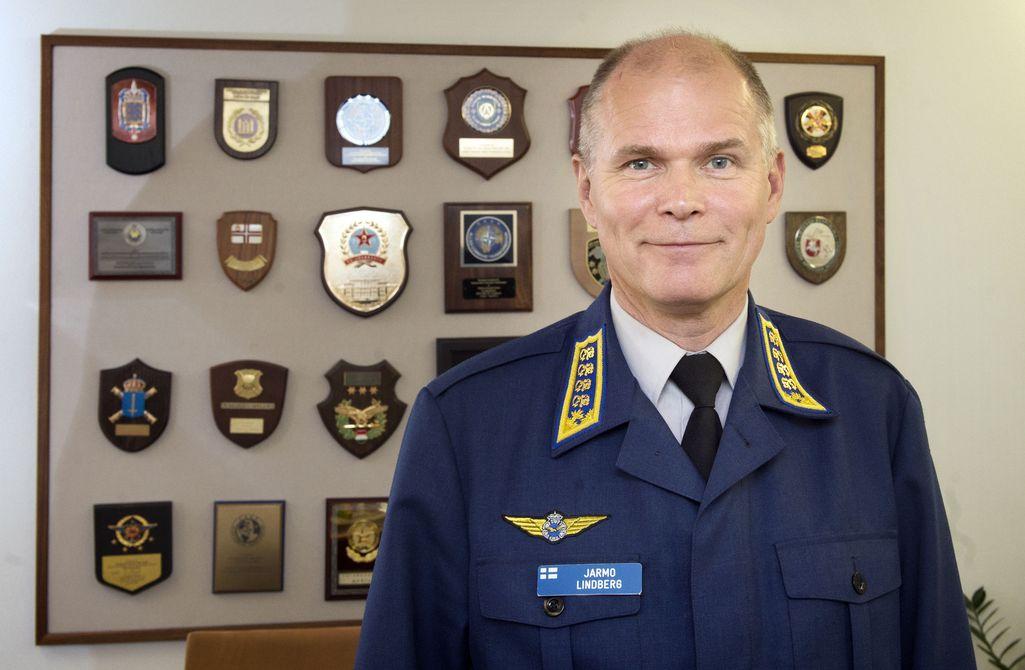 Yle: Puolustusvoimain komentaja Jarmo Lindberg ei hae jatkokautta