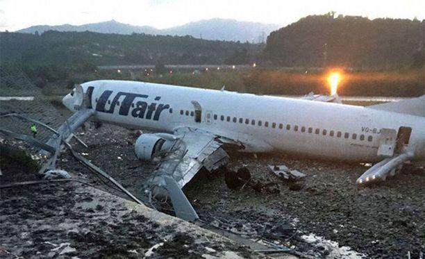 Utair Aviation -lentoyhtiön koneen kyydissä oli lauantaina yhteensä 170 ihmistä, joista 18 loukkaantui.
