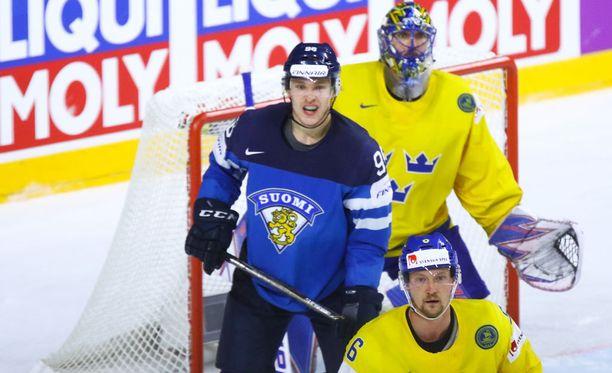Mikko Rantanen pysyi turhan hyvin ruotsalaisten pihdeissä.