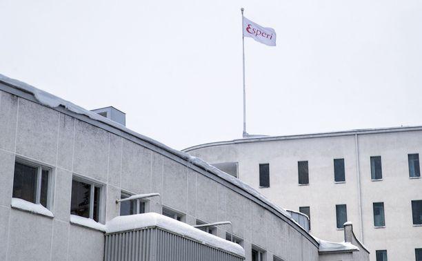 Esperi Care tarjoaa vanhuspalveluja entisessä Tilkan sotasairaalassa Helsingissä.
