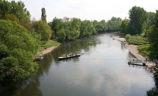 Törkeä raiskaus tapahtui Siegauen luonnonsuojelualueella Rein-joen varrella.