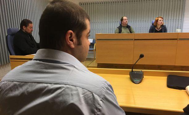 Oulun käräjäoikeus tuomitsi Esho Yoaarish Zayyan 9 vuoden ja 6 kuukauden vankeuteen taposta ja huumausainerikoksesta.