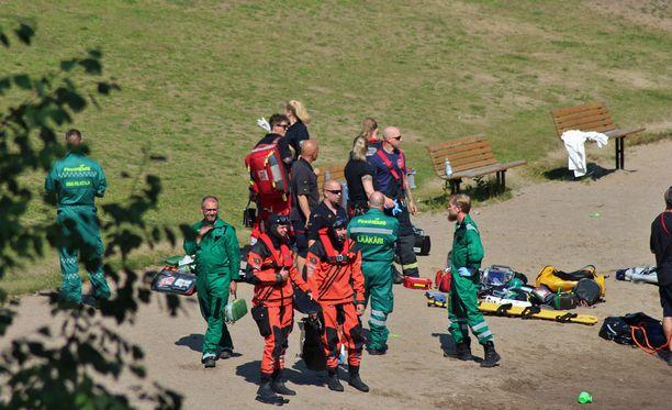 Pelastajat saapuivat onnettomuuspaikalle nopeasti. Uhri löytyi 40 minuutin etsintöjen jälkeen.