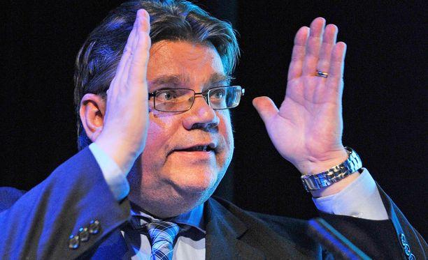 Timo Soini väistyy puolueensa johdosta lauantaina. Hänen jatkonsa ulkoministerinä on vielä avoin kysymys.