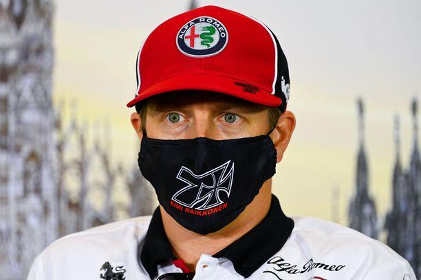Kimi Räikkönen jatkaa sveitsiläislehden mukaan F1-sarjassa.