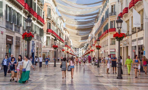 Marques de Larios -kadulta Malagasta löytyvät lähes kaikkien espanjalaisketjujen myymälät ja paljon muuta.