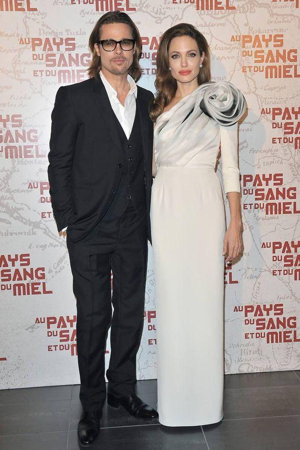 Vuonna 2012 Jolie keskittyi lapsiin ja hyväntekeväisyystyöhön.