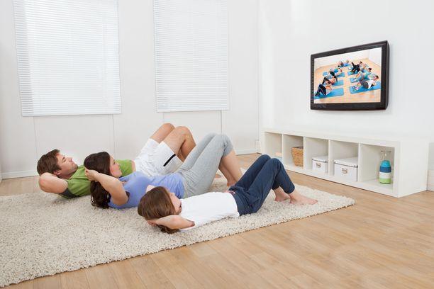 Treenaaminen kotona vaikka koko perheen kesken parantaa mahdollisuuksia onnistua, sanoo psykologi Janine Delaney.