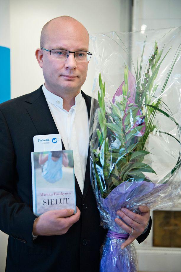 Sielut on Markku Pääskysen kahdeksas romaani.