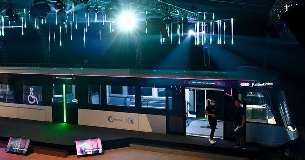 Tulevaisuuden paikallisjuna esiteltiin heinäkuussa yleisölle Saksan Hessenissä.