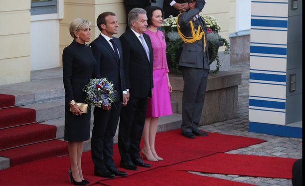 Presidenttiparit pääsevät nauttimaan suomalaisista herkuista ja sienistä.