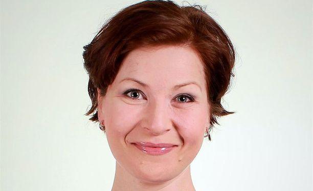 Laura Sokka valmistelee väitöskirjaa.