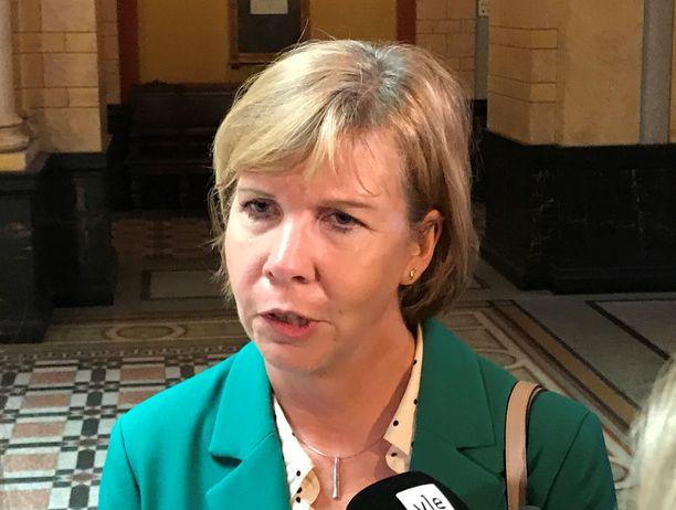 Anna-Maja Henrikssonin mukaan maakuntavaalit ollaan järjestämässä.