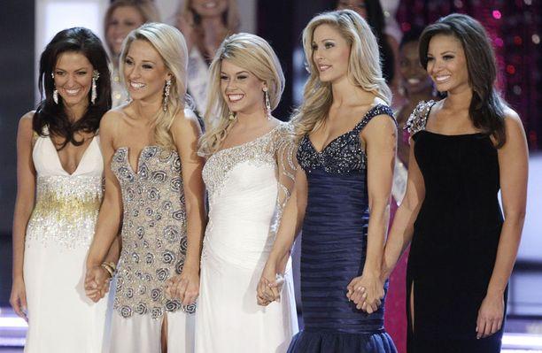 Viisi finalistia: Miss Havaiji (vas.), Miss Washington, Miss Nebraska, Miss Oklahoma ja Miss Arkansas.