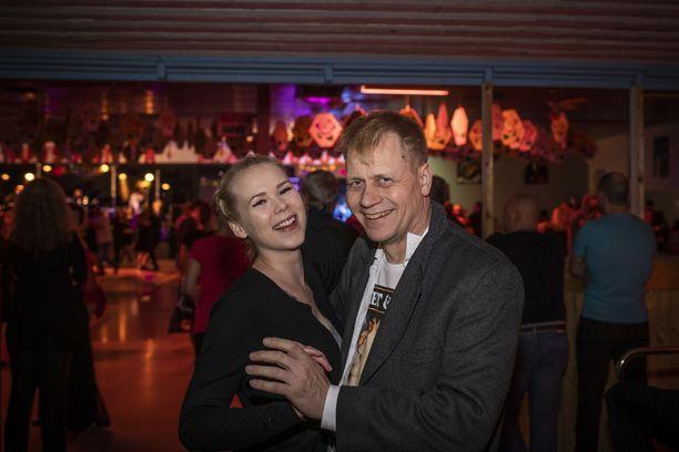 Juha Turu halusi tulla kannustamaan Sillanpäätä ja Inka Nygårdin toi Ruusulinnaan tanssin hurma.