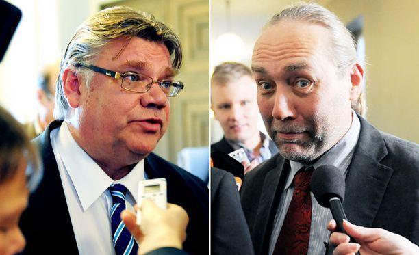 Puolueesta erotettua James Hirvisaarta Soini luonnehtii yksilöhörhöksi.