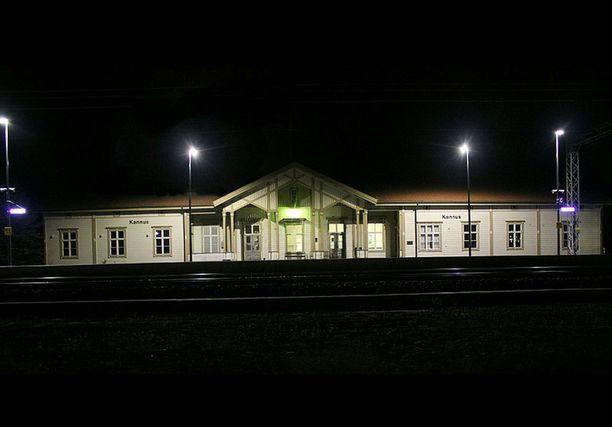 Surmapaikka oli Kannuksen rautatieaseman liepeillä. Kuvituskuva.