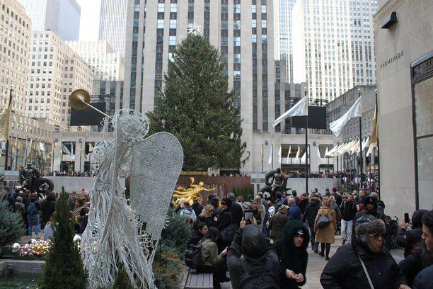 Rockefeller Centerin jouluinen maisema houkuttaa niin kotimaisia kuin ulkomaisiakin turisteja.